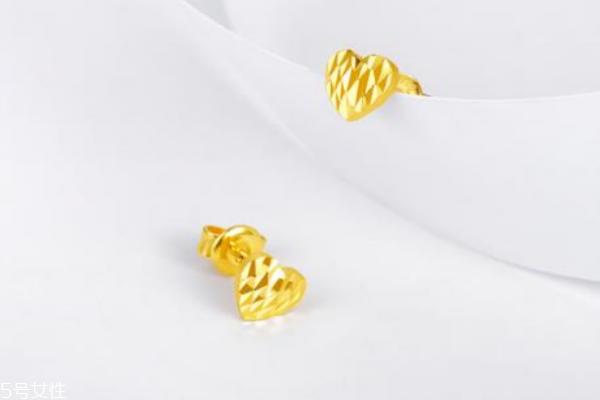 黄金耳钉变形了怎么办 及时修复