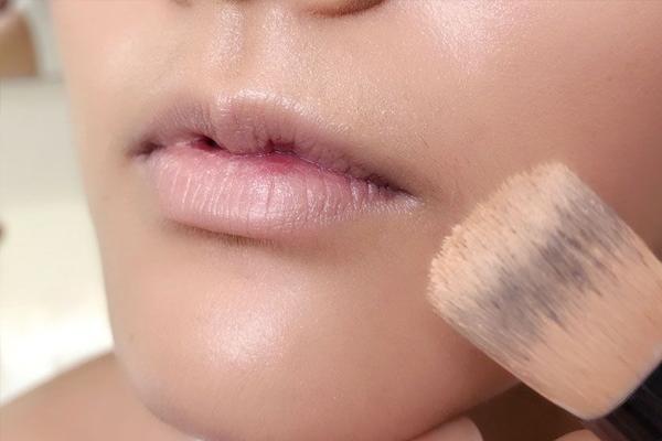 咬唇妆怎么画持久不脱 5技巧让你的咬唇与众不同