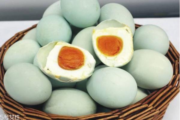 鸭蛋为什么比鸡蛋贵 原因有四个