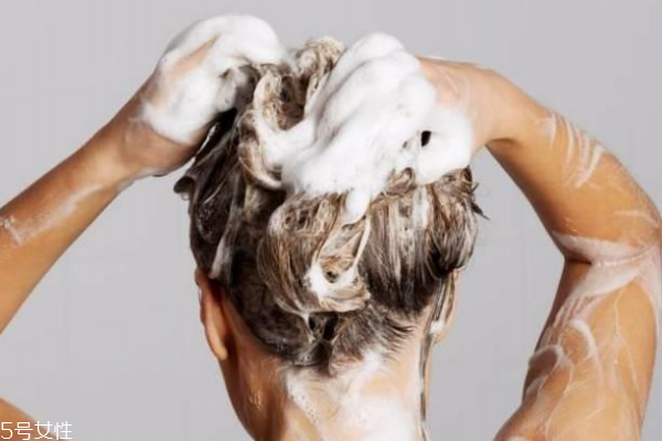 感冒的时候能洗头吗 要分情况