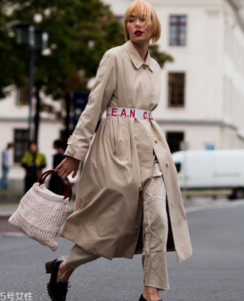 浅驼色衣服搭配图片 时髦百搭首选