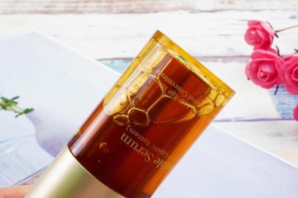 娇韵诗第8代黄金双瓶适合什么肤质 干皮救星和油皮亲妈