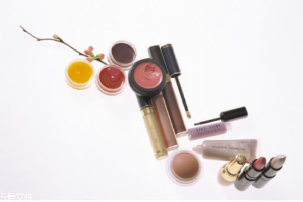如何延长化妆品保质期 关于化妆品的小常识