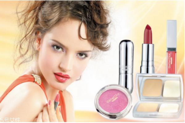 如何识别伪劣化妆品 劣质化妆品对皮肤的影响