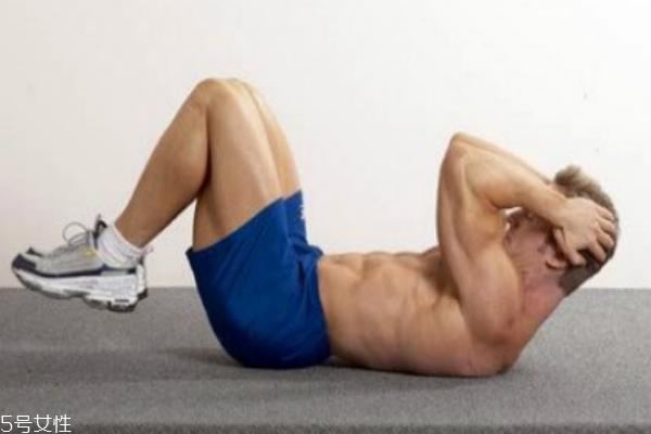 反向卷腹练哪里 下腹肌首选动作