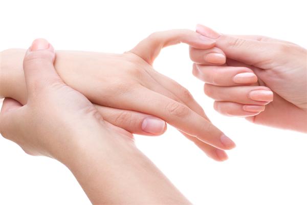 按摩手指有什么好处 按摩手指能治什么病
