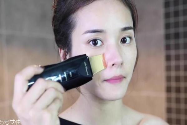 去黑头粉刺用什么美容仪 蒸脸仪和去黑头美容仪铲
