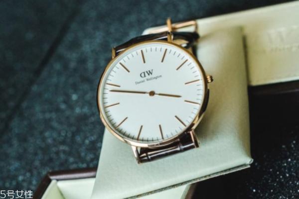 dw手表保修多久 要注意期限