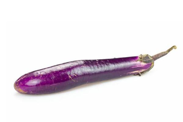 茄子怎么烤好吃?买茄子要有手感还看这里的大小