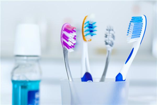 每天刷牙为什么还口臭 刷牙的方法不正确