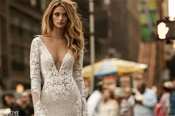 berta婚纱多少钱 正品是这个价位