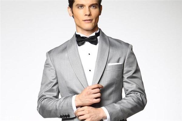 新郎结婚穿什么衣服 庄重得体很重要