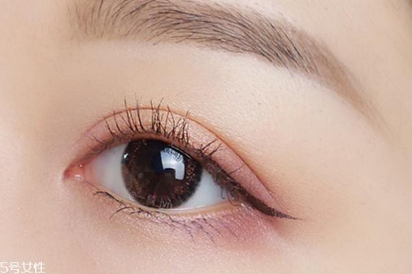 半截眼线怎么画 半截眼线画法