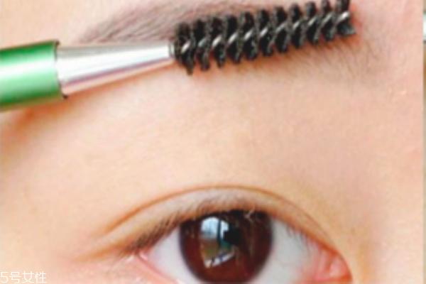 初学者怎么修眉毛 修出完美眉型