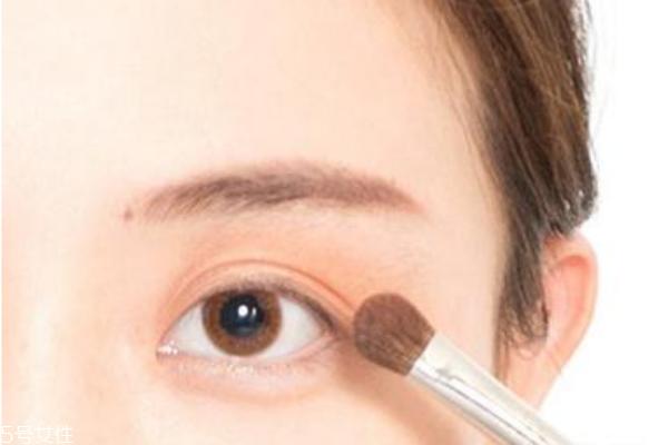 情人节化什么眼妆 约会眼妆画法