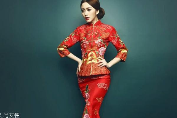 中式婚礼穿什么衣服 有这些选择