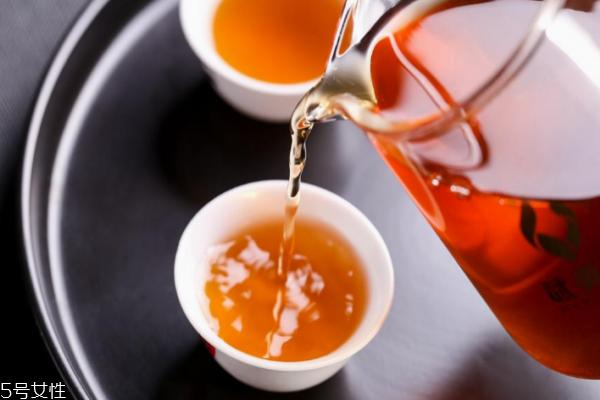 茶叶大红袍是什么颜色 干茶叶有三种色彩
