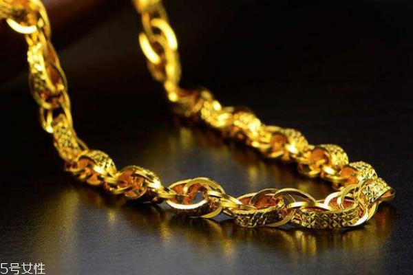 男人戴黄金有什么好处 这些作用要清楚