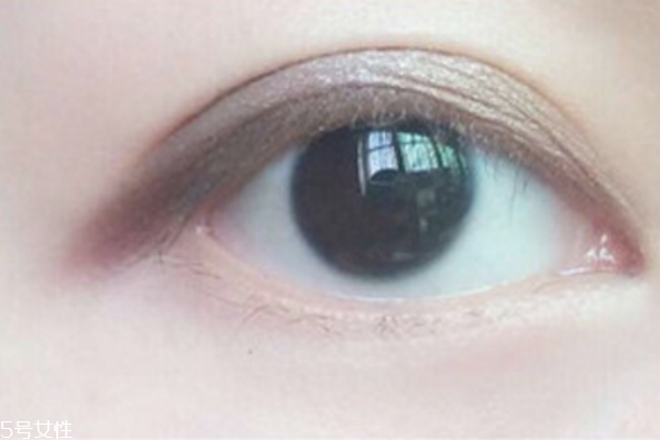 单色眼影的画法最简单图片