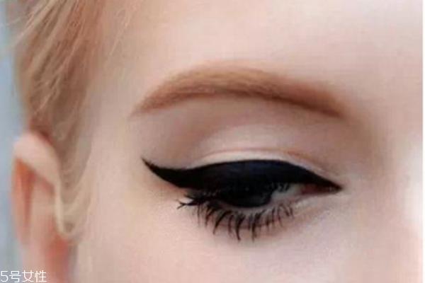 猫眼妆的画法步骤图片图片