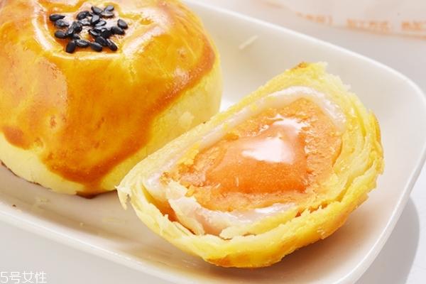 蛋黄月饼是鸡蛋还是鸭蛋 首选鸭蛋