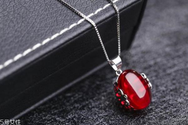 红宝石项链多少钱 价格差异很大
