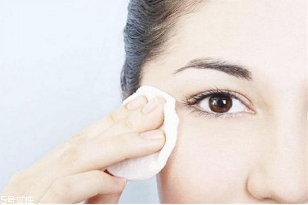 卸妆油有什么作用 卸妆油别的用处