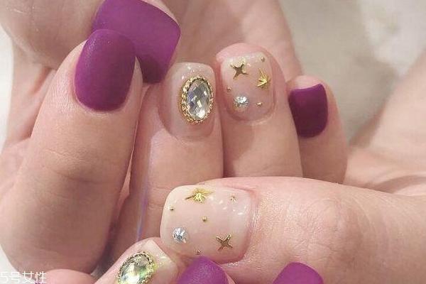 秋季紫色美甲图片 这几款让你更动人