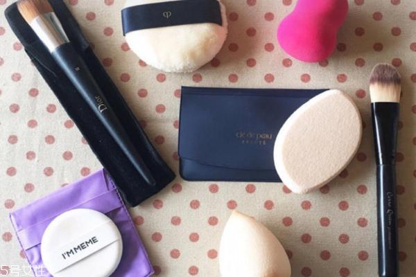 上妆工具都有哪些 选对上妆工具很关键