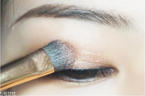 双眼皮贴怎么贴看不出来 自然双眼皮的技巧教程