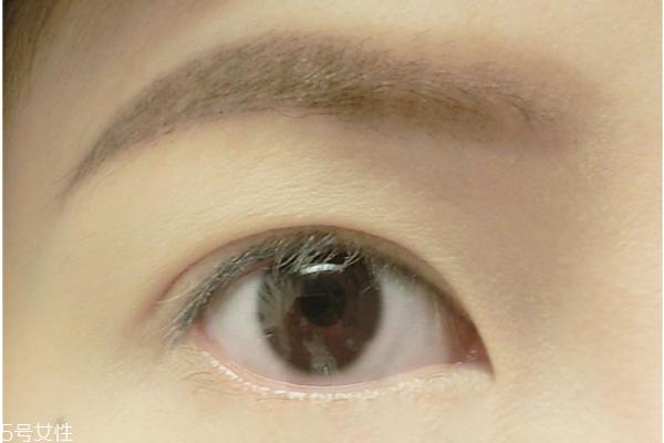 隐形双眼皮贴怎么贴 双眼皮贴贴法技巧教程