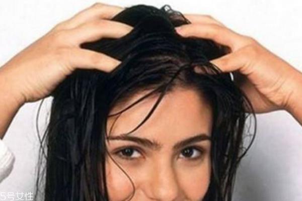 女孩脱发严重如何治疗3步保养远离女孩秃顶