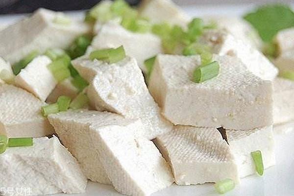 豆腐为什么要焯水 去掉豆腥味