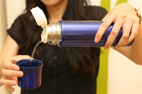 如何挑选保温杯 保温杯正确使用3重点