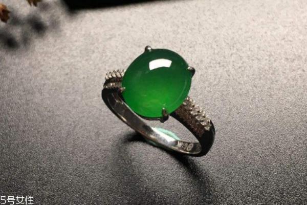 翡翠戒指怎么鉴别 从这几点来看