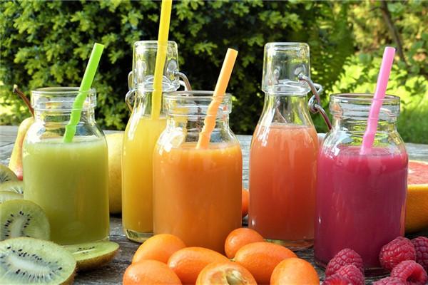 水果是直接吃好还是榨汁好 果汁其实没那么营养