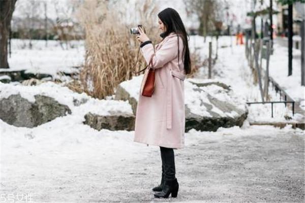 2018冬季流行什么大衣 风格很关键