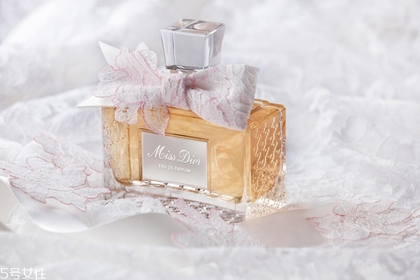 香水留香时间分类图片