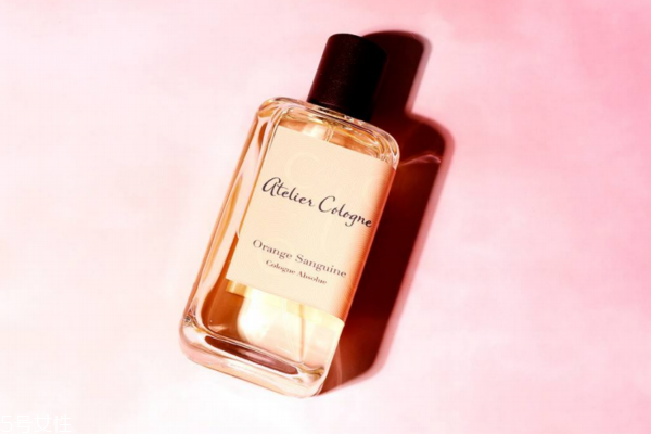 适合女生的中性香水推荐 你和帅气只差一瓶香水的距离