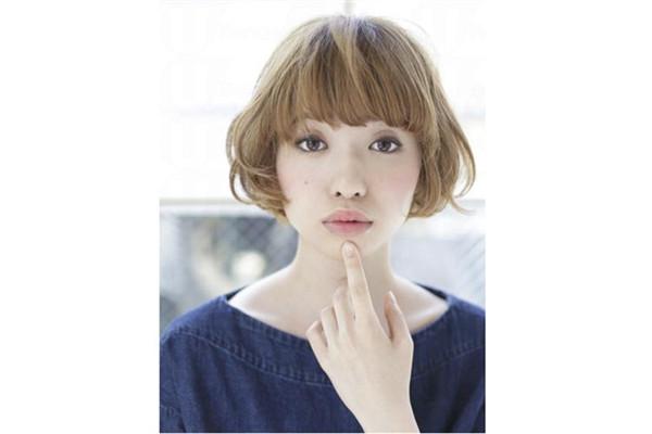 长形脸适合什么样的发型女介绍
