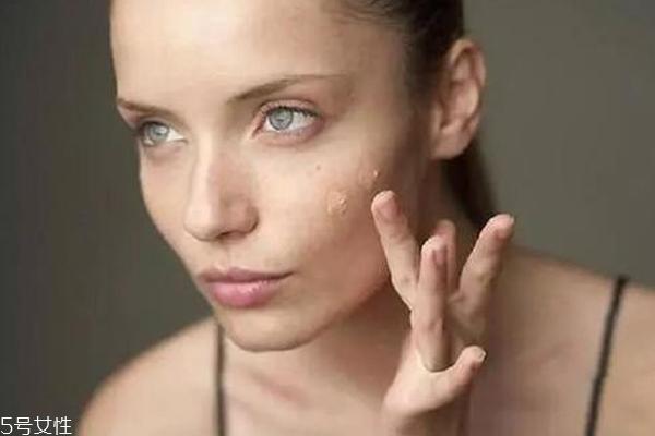 化妆皮肤变暗沉怎么办 3招解决你的烦恼