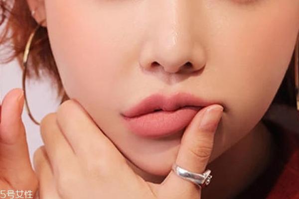 4种日常简单唇妆画法 快速为日常妆带来新鲜感