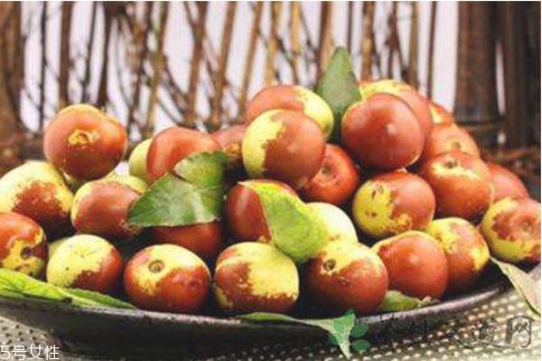 冬枣洗过之后变红色是为什么 吃冬枣的副作用及坏处