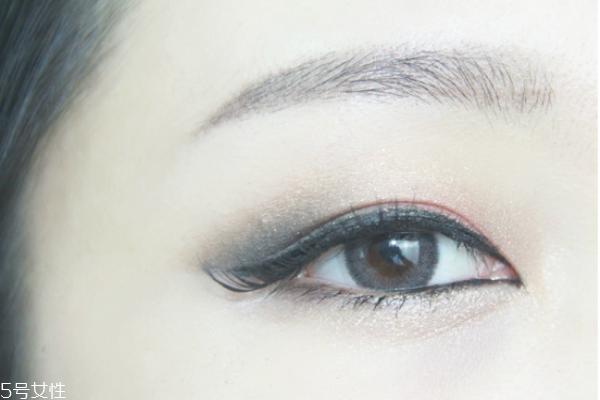 眼妆教程图片