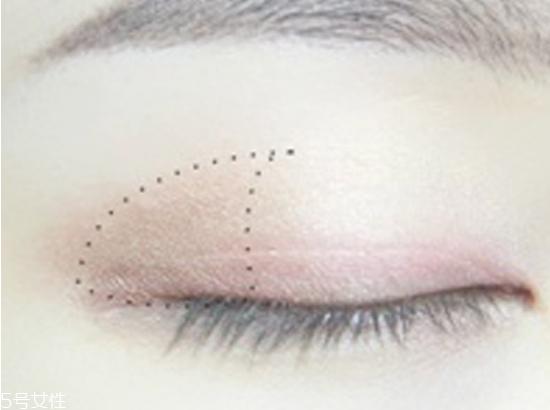 画眼妆技巧图片