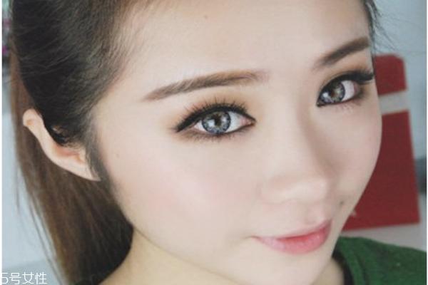 怎样画眼线显眼睛大 超简单大眼妆画法