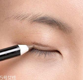 丹凤眼应该怎么画眼妆图片