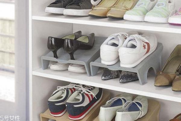 鞋子收纳 鞋子怎么收纳省空间 5种简单实用鞋子收纳方法