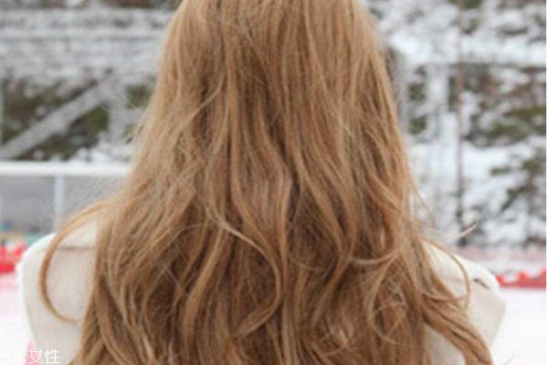 怎样让烫发更持久 想让卷发更持久快来试试这几招