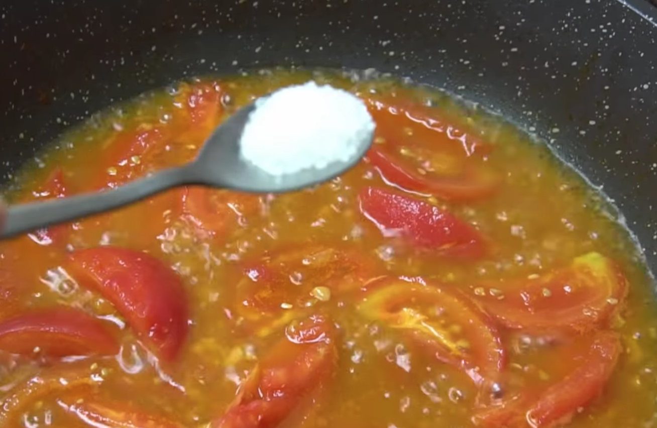 白鲳鱼怎么做好吃 酸甜可口番茄焖白鲳的做法
